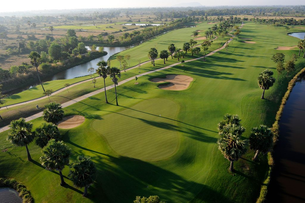Angkor Golf Resort - hole 7