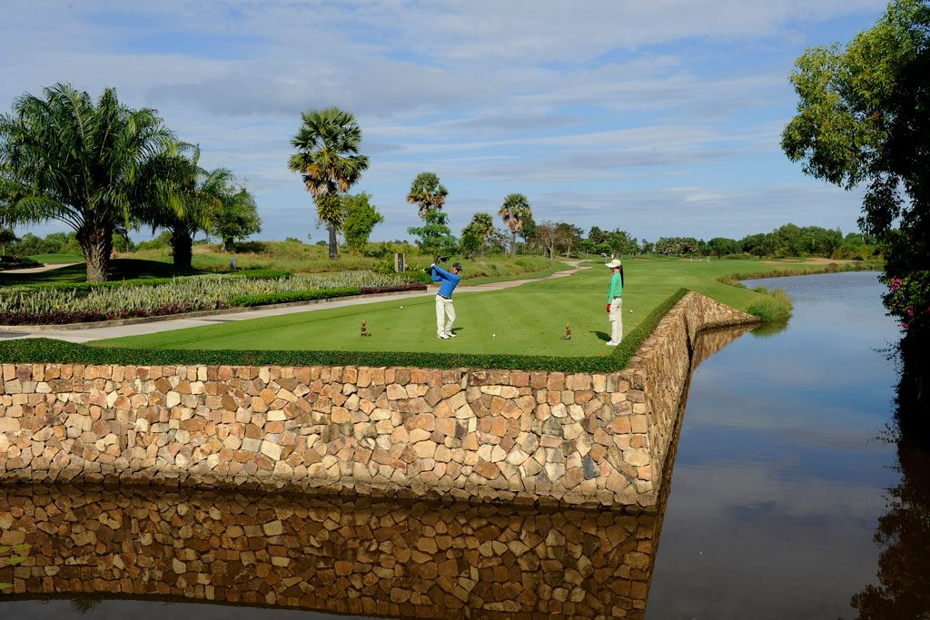 Angkor Golf Resort - hole 8